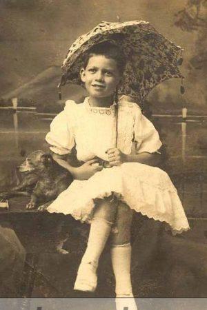 mother-dresses-son-like-girl-look-like-a-princess
